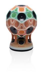 Funktionsfähiger Lautsprecher-Prototyp, der auf einem Objet Connex3-3D-Drucker mit Stratasys Creative Colors Software gefertigt wurde.