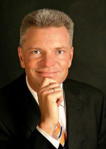 Prof. Dr.-Ing. Claus Emmelmann, CEO, Laser Zentrum Nord GmbH, Hamburg (Germany)