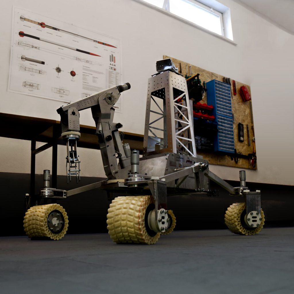Mars rover vehicle - final version